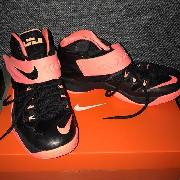 Nike Shoes   Nike Youth Basketball